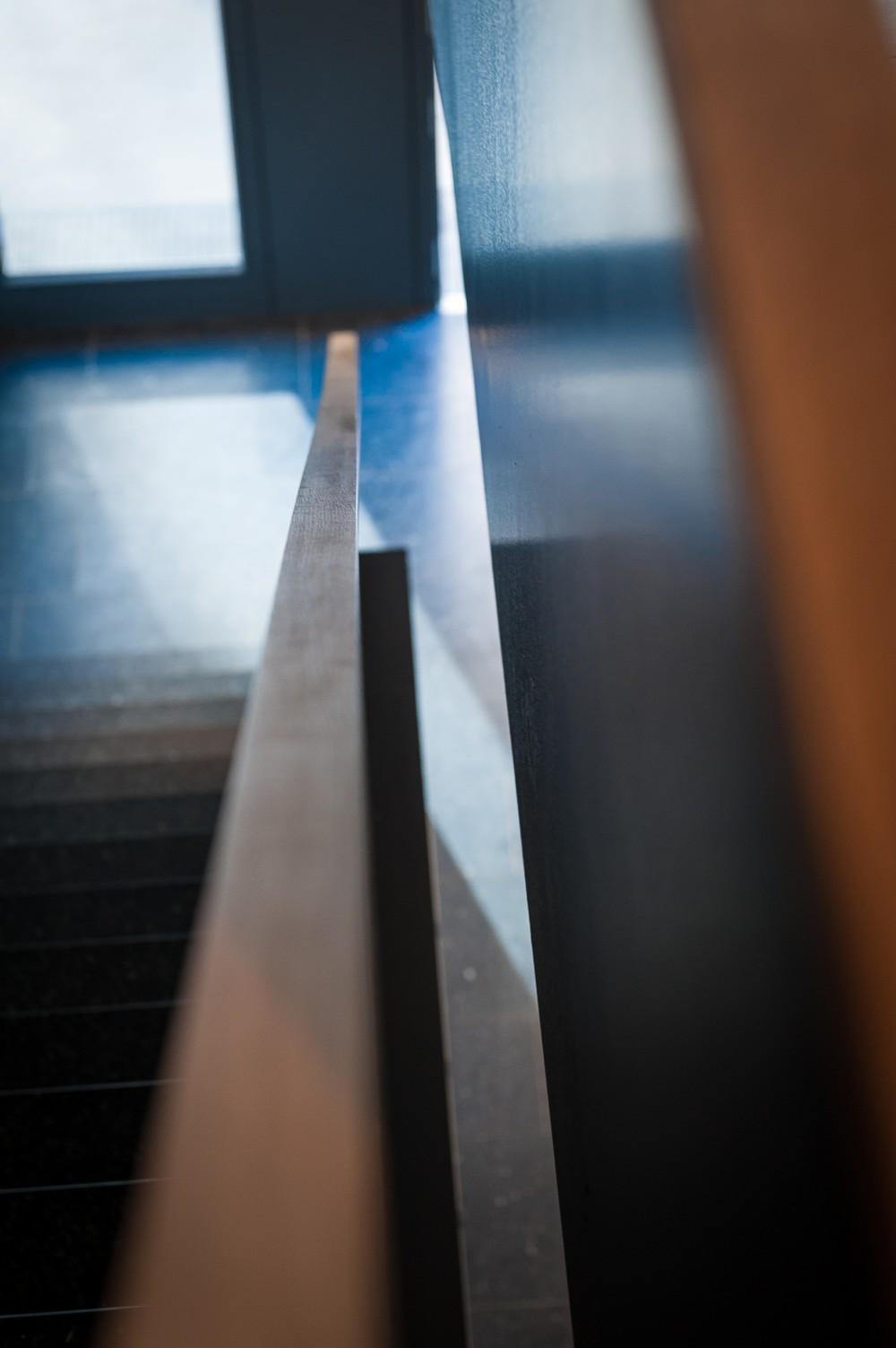 Handlauf der Treppe - abstrakt